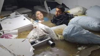 Adana'daki selde mahsur kaldı