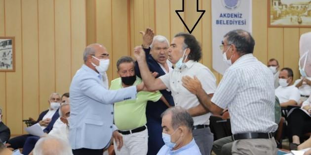 MECLİSİ KIŞKIRTAN HDP'Lİ ÜYE BAŞKAN GÜLTAK'IN ÜZERİNE YÜRÜDÜ