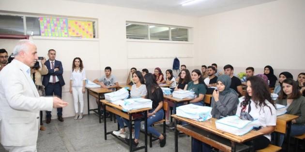 Akdeniz Belediyesinin ücretsiz üniversiteye hazırlık kurslarına kayıtlar başladı