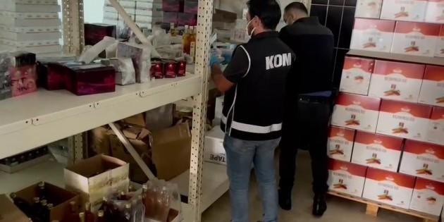 Mersin'de yasaklı maddeyi cinsel içerikli macuna karıştırarak satan firmalara operasyon: 15 gözaltı