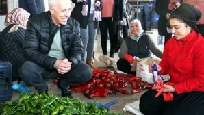 Başkan Gültak'tan kadınlara jest