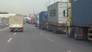 Mersin Limanına giriş çıkış yapan TIR şoförleri tedirgin