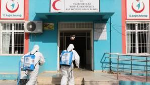 Akdenz'de yüzlerce iş yeri, onlarca cadde ve sokak dezenfekte edildi