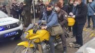 Bin TL 'lik sosyal yardımlar postacı, bekçi ve polislerin katılımıyla dağıtılmaya başlandı