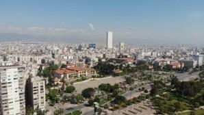 Mersin'de cadde ve sokaklar boşaldı