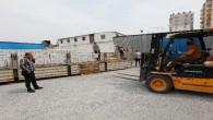 Mezitli'de gıda ve hijyen paketleri dağıtılmaya devam ediliyor