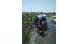 Tarsus'ta seyir halindeki ticari araç yandı
