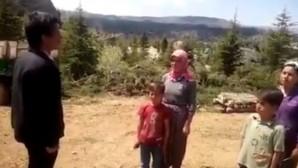 Yörük aile dağda 23 Nisan'ı kutladı