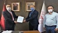 Bir firmadan Mersin'deki sağlık çalışanlarına 5 bin maske
