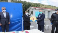 Polis noktasında pastalı kutlama