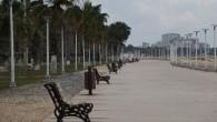 Mersin sahil şeridi boşaldı