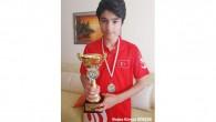 Evde Kal Satranç Turnuvası şampiyonları kupalarını aldı