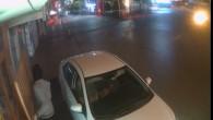 Çaldığı arabayla market soymaya kalktı
