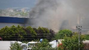 Narenciye paketleme fabrikasında yangın