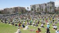 Mersin'de sosyal mesafeli ilk cuma namazı kılındı