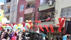 Toroslar'da bayram eğlencesi vatandaşın ayağına geldi