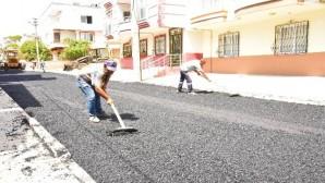 Toroslar'ın sokakları asfaltla yenileniyor