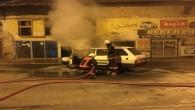 Tarsus'ta seyir halindeki otomobil yandı