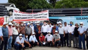 Büyükşehir'den Erdemli'deki üreticilere sulama borusu desteği