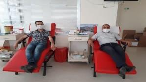 Belediye personelinden kan bağışına desteği