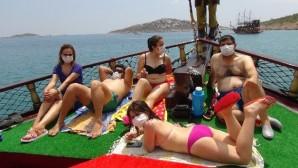 Mersin'de maskeli ilk yat turu başladı