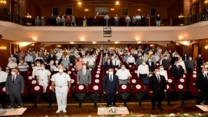 """Vali Su, """"15 Temmuz Demokrasi ve Milli İrade"""" konferansına katıldı"""
