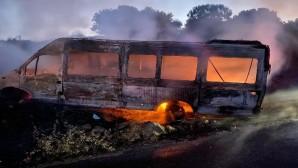 Minibüs yangını korkuttu