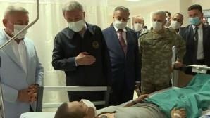 Milli Savunma Bakanı Akar Mersin'de