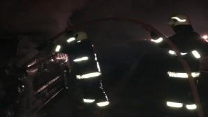 Seyir halinde yanan araç kullanılmaz hale geldi