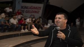 Büyükşehir Belediyesinin 'Komik Gazino' gösterisiyle sahil şenlendi