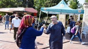 Tarsus Belediyesinden vatandaşlara ücretsiz maske