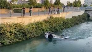 Otomobil kanala uçtu, sürücü kazayı ucuz atlattı