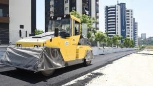 Toroslar'da 240 bin ton asfalt döküldü