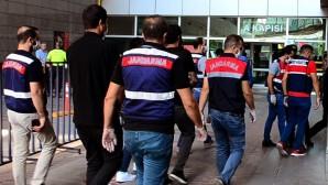 Mersin'de ikisi kamu görevlisi 3 kişi rüşvet iddiasıyla tutuklandı