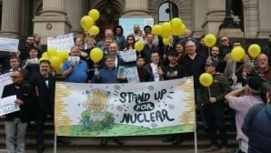 Çevreciler nükleer için harekete geçiyor