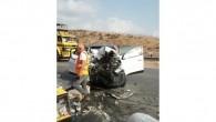 Karayolları ekibine otomobil çarptı: 1 ölü, 3 yaralı