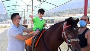 Serebral palsi hastası çocuklar özel bir gün yaşadı