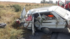 Tarsus'ta kamyon ile otomobil çarpıştı: 1 ölü, 1 yaralı