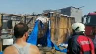 Tarım işçisi ailenin çadırı yandı