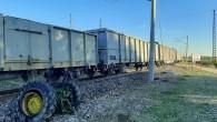 Yük treni hemzemin geçitte traktöre çarptı: 1 ölü