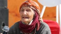 Arslanköylü 96 yaşındaki Nesibe nine, kurtuluş programında duygulandırdı
