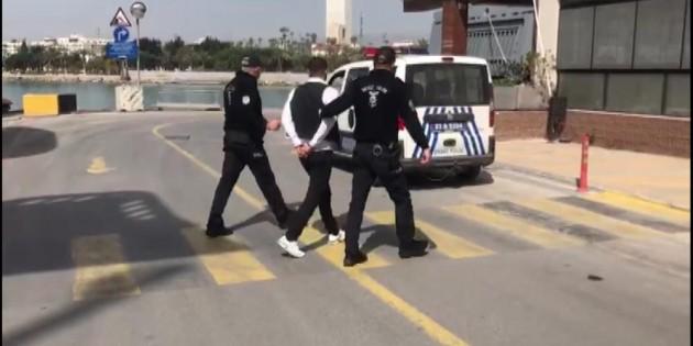 Kıbrıs'ta terör propagandası yapan 1 kişi, Türkiye'ye getirildi