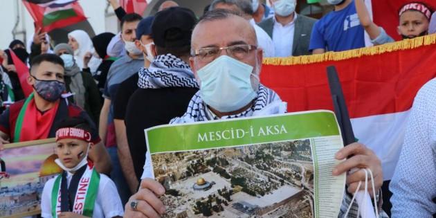İsrail'in Mescid-i Aksa'ya ve Filistin'e saldırıları Mersin'de protesto edildi