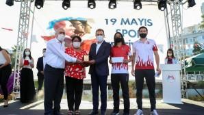 Büyükşehir Belediyesi sporculara 419 bin 640 TL para ödülü dağıttı