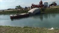 Tarım işçilerini taşıyan traktör sulama kanalına düştü: 11 yaralı