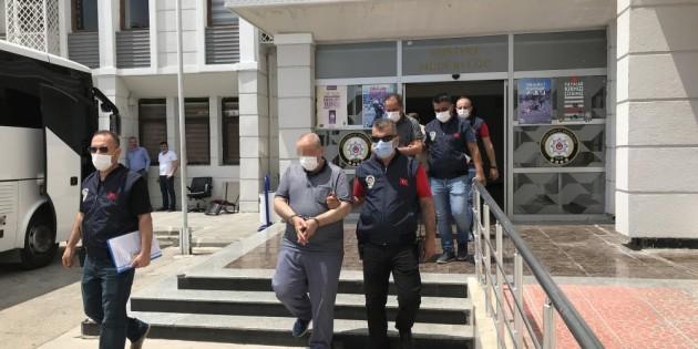 Tatlıcıyı dolandıran sahte kamu görevlileri tutuklandı
