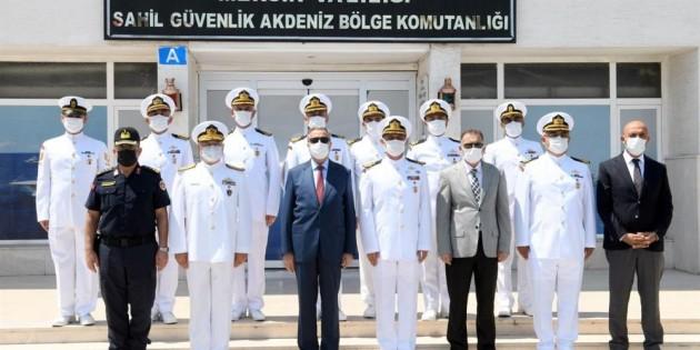 Vali Su, Sahil Güvenlik Akdeniz Bölge Komutanlığını ziyaret etti