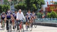 Başkan Gültak bisikletseverlerle pedal çevirdi