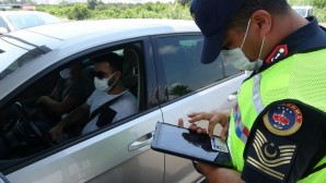 Jandarma trafik timleri Mersin'de 12 bin 189 aracı denetledi