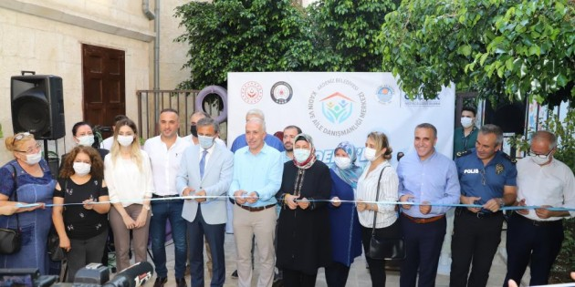 Akdeniz'de Kadın ve Aile Danışmanlığı Merkezi törenle hizmete açıldı